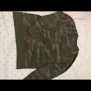 American Eagle Outfitters Sweaters - American Eagle camo sweatshirt